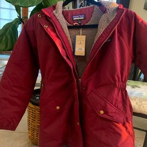 Patagonia Insulated Isthmus Parks NWT Chicory Red